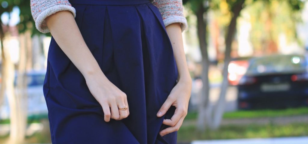 person_hand_skirt